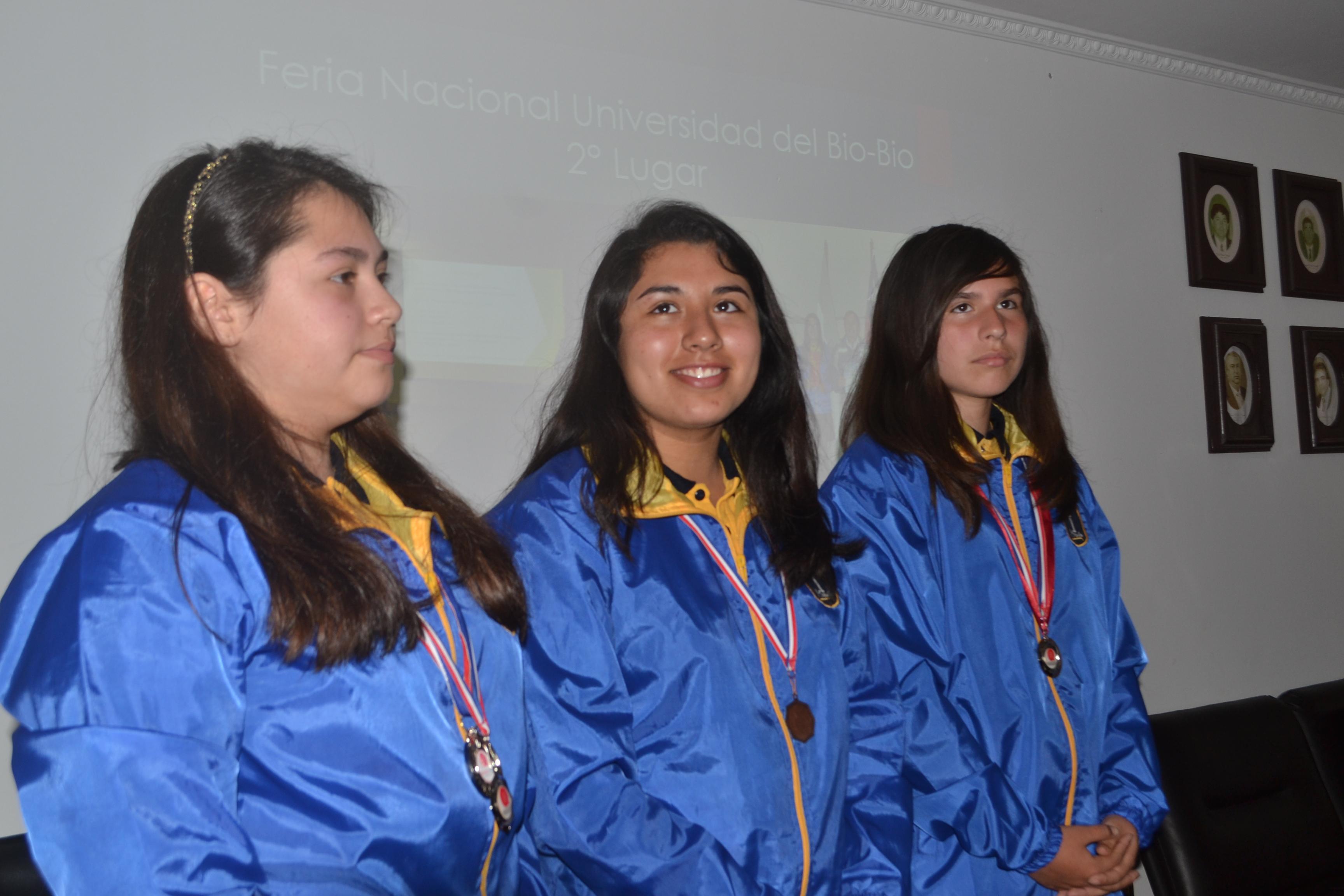Escuela básica Maule destaca en la ciencia y la tecnología