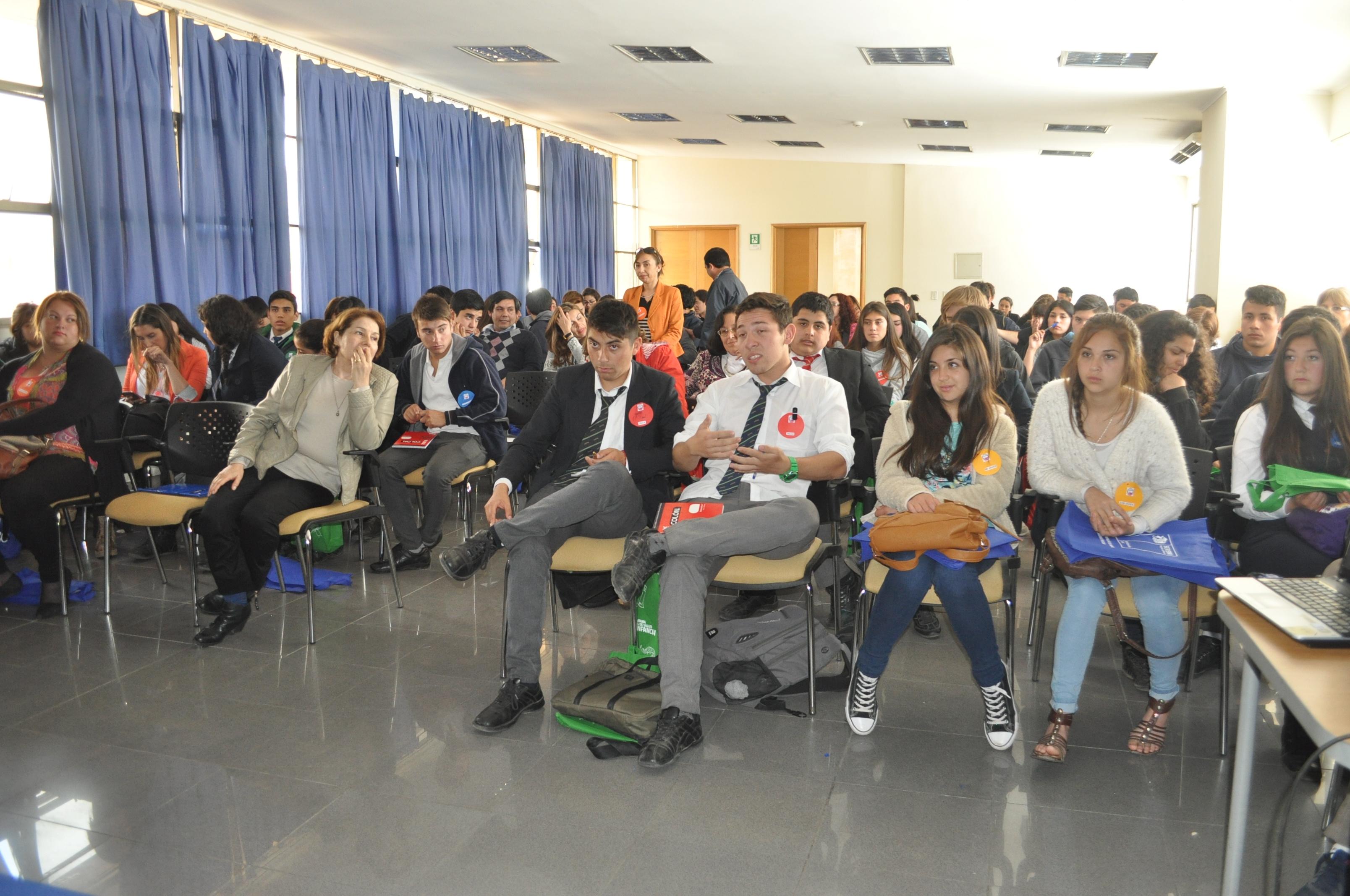 Más de 100 jóvenes se reunieron formando líderes juveniles en prevención y promoción de la Salud en Talca