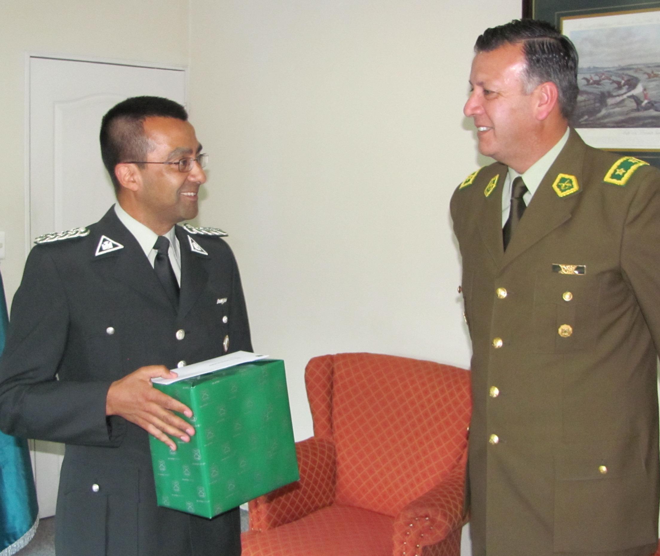 General de Carabineros del Maule, Félix Flores saludó a Gendarmería en su aniversario 85
