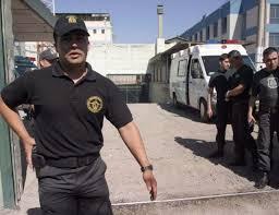Centinelas de Gendarmería en el Maule, iniciaron movilización en protesta por las horas prolongadas de trabajo en los penales.