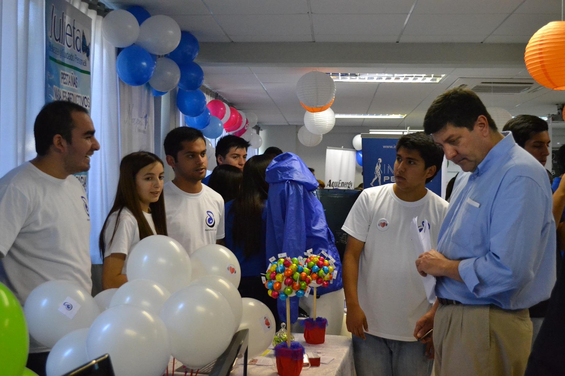 "Emprendedores participaron de feria ""Líderes del Mañana"""