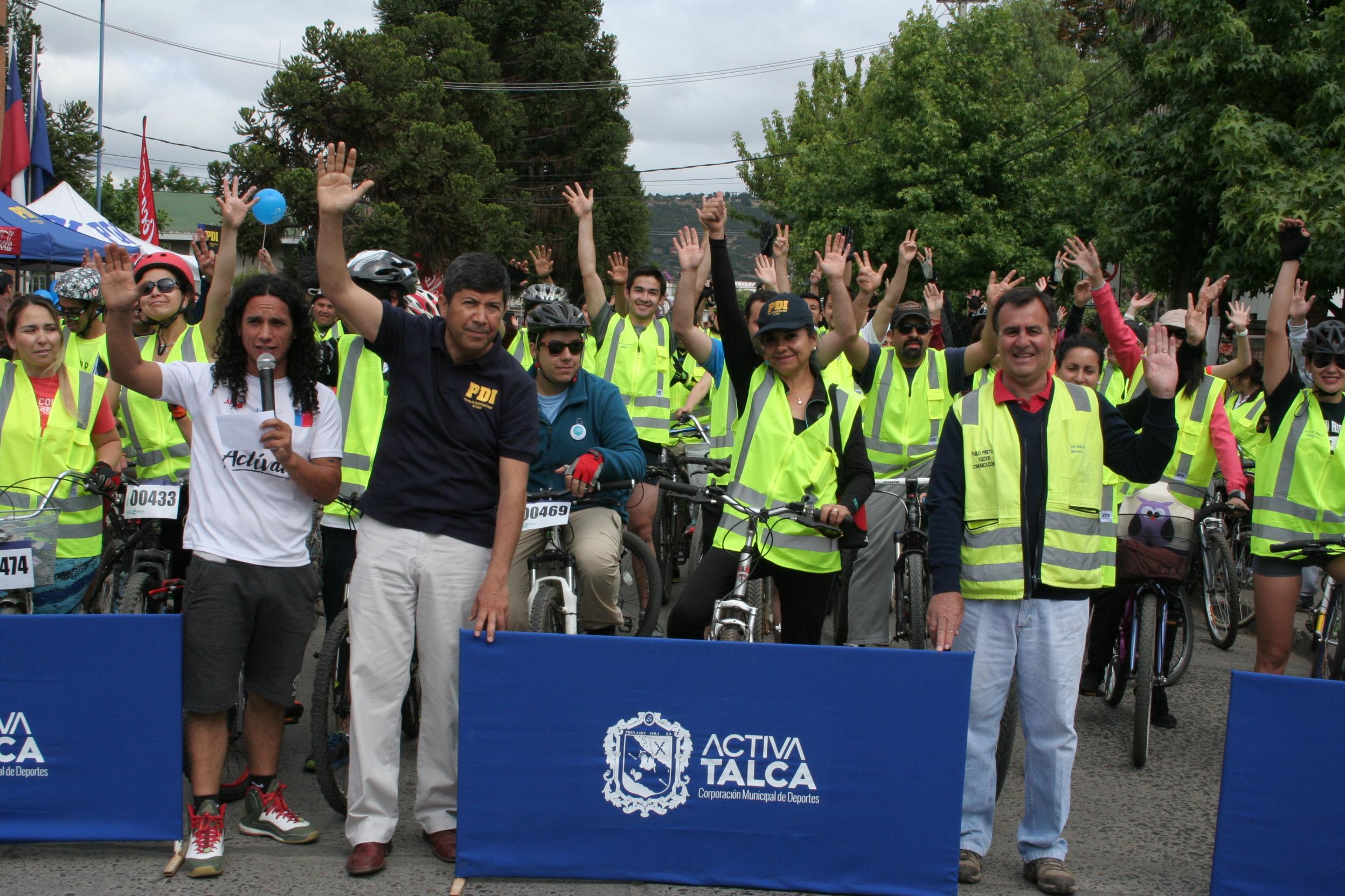 Masiva cicletada reunió a familias en la PDI de Talca