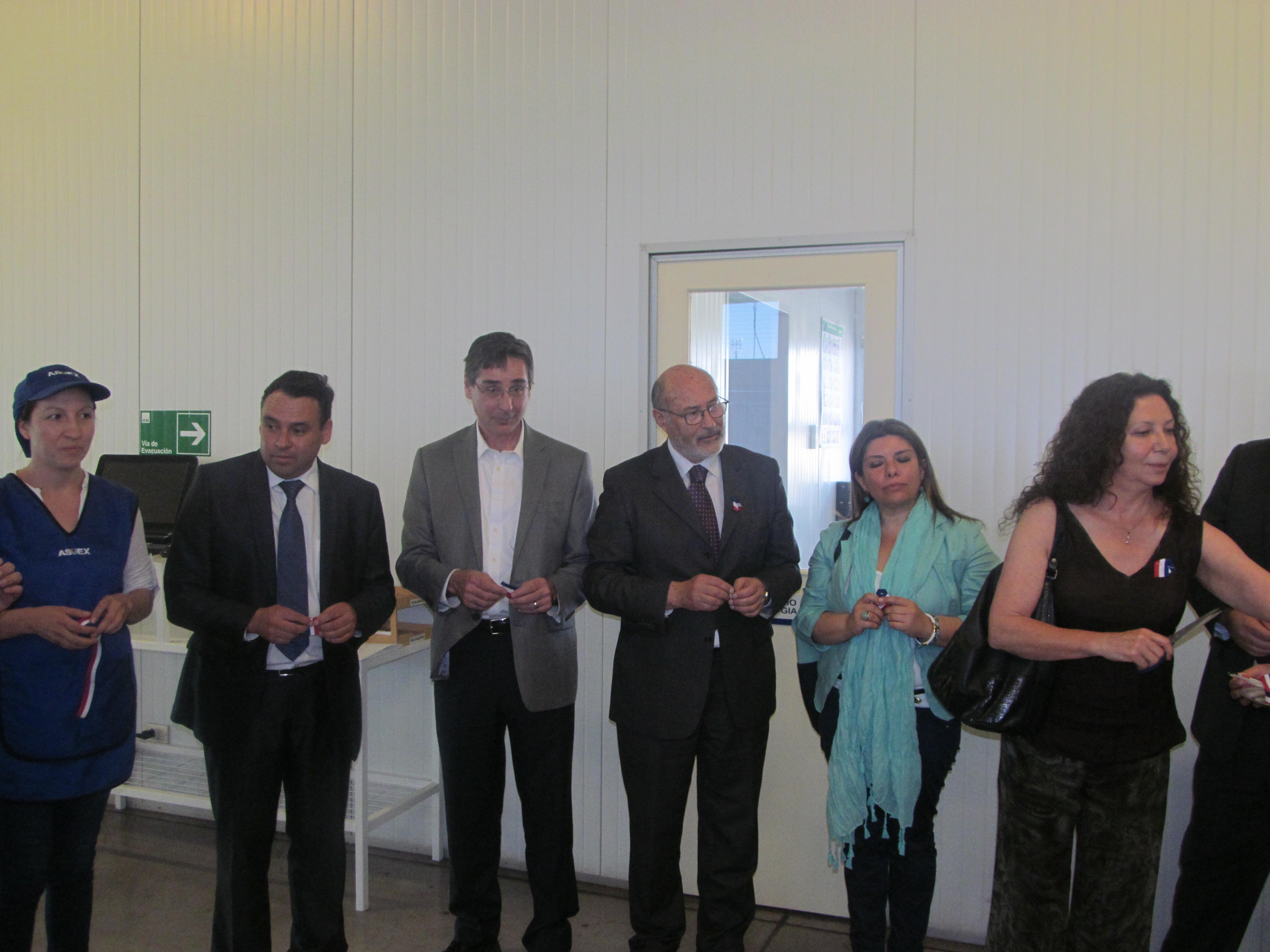 Moderno laboratorio de biología molecular inauguraron en Teno