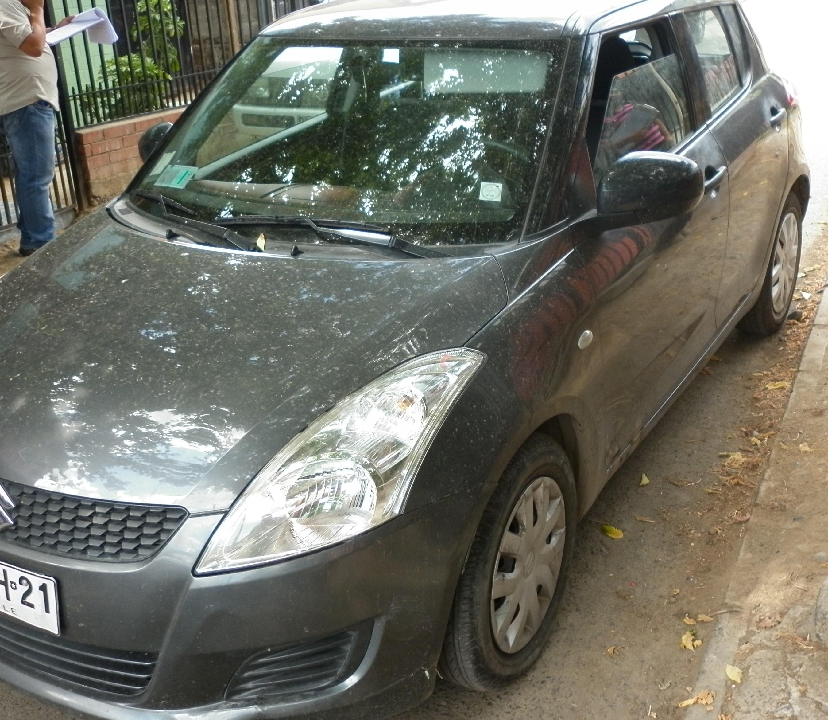 Personal del SEBV de Carabineros recupera automóvil robado desde Automotora en Talca.