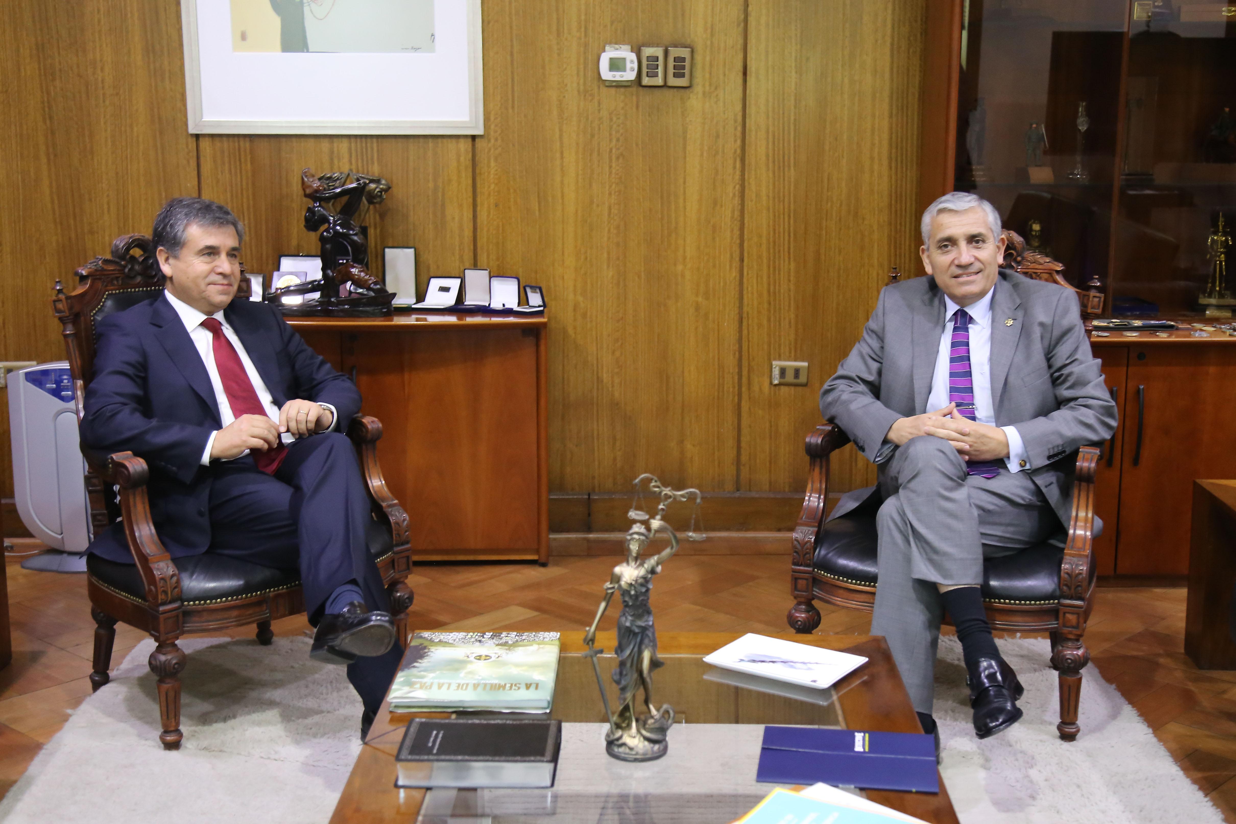 Diputado Gutiérrez solicita a director general de la PDI mayor dotación para Linares
