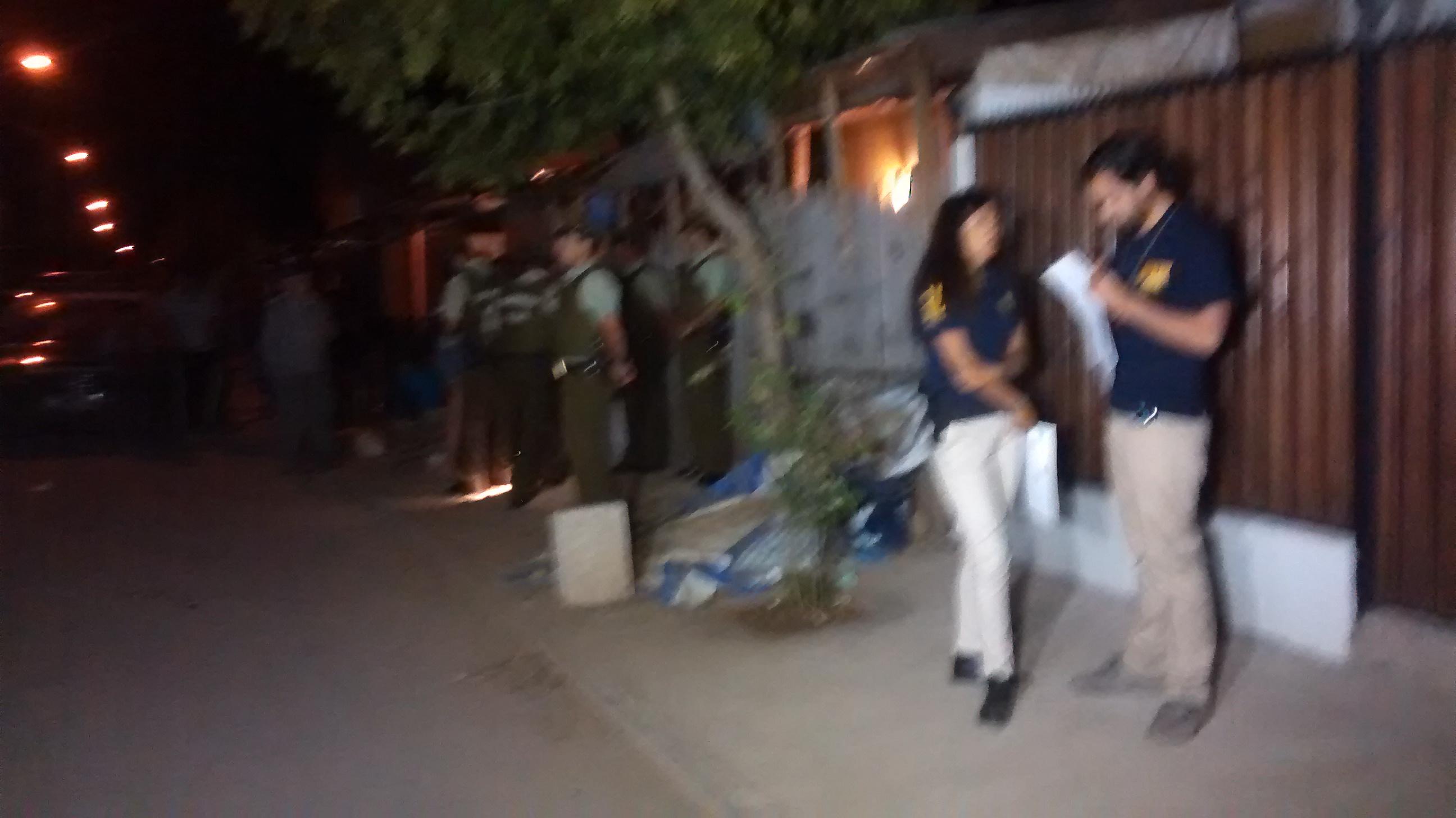 Fotos: Un muerto y un herido grave fue el saldo de balacera al interior de vivienda en Talca