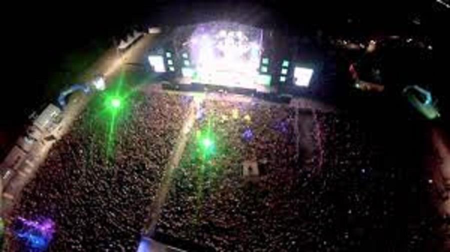 """Cae """" Drone"""" en medio del público dejando heridos mientras se desarrollaba la Fiesta de la Independencia en Talca"""
