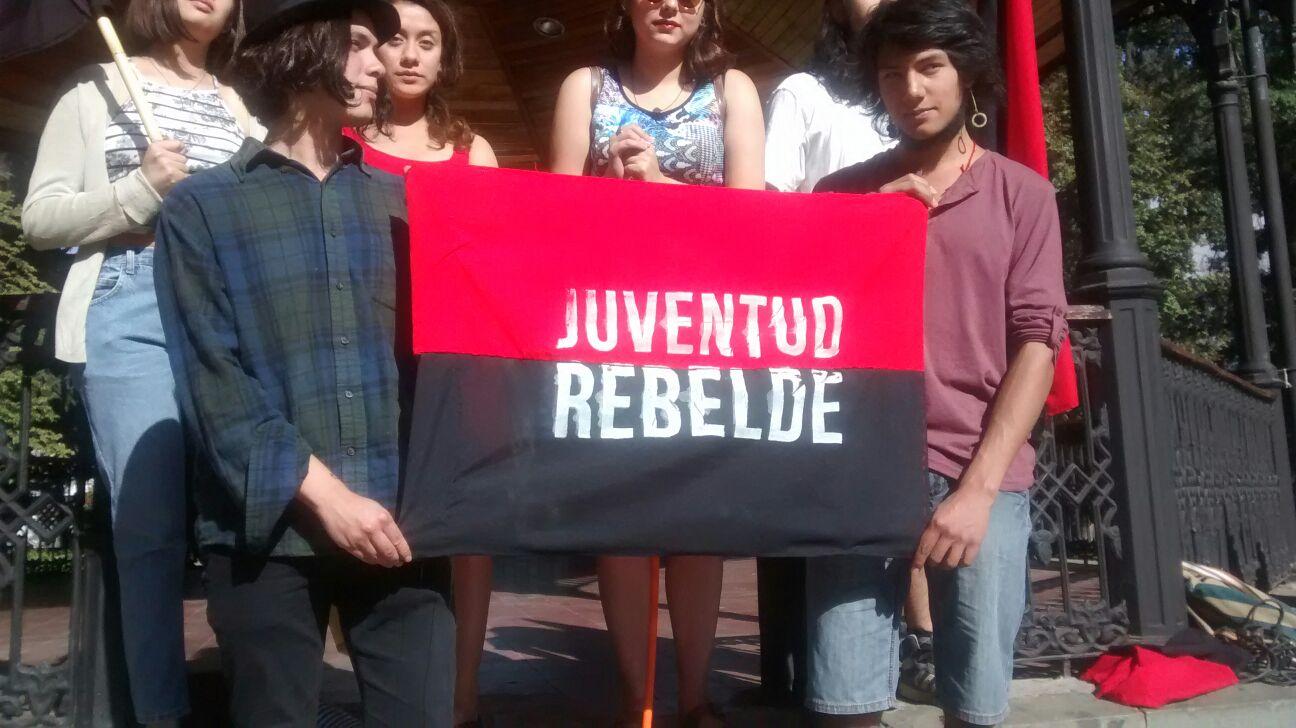 Juventudes Rebeldes de Talca, se manifestan en contra del Alcalde, y en apoyo a profesores de liceos emblemáticos, que sufrieron descuentos durante las movilizaciones.