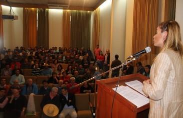 Gobernadora de Linares llama a trabajar en equipo contra la desocupación en la comuna