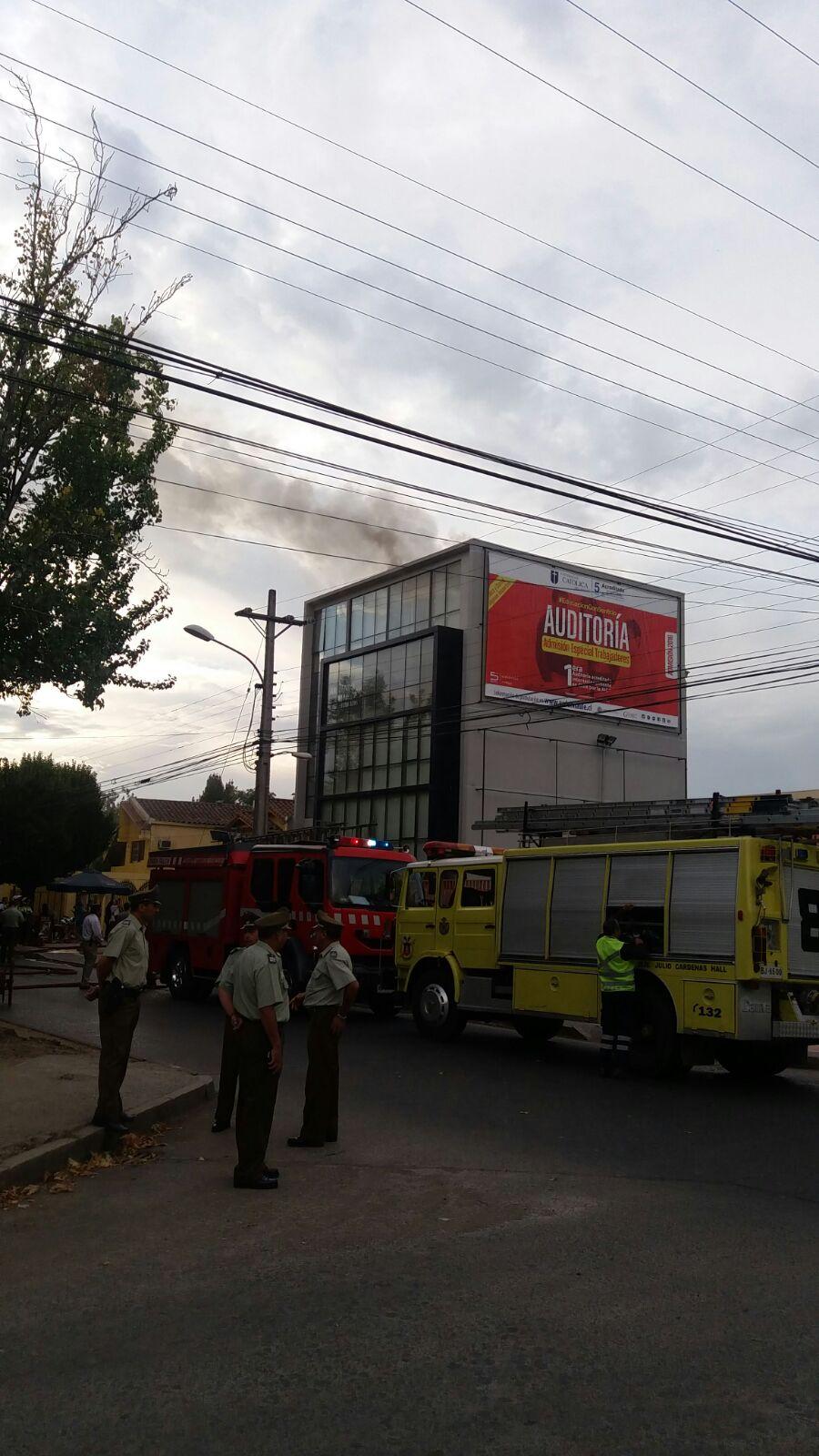 Recalentamiento eléctrico habría sido causa de principio de incendio en edificio Lozano en Talca