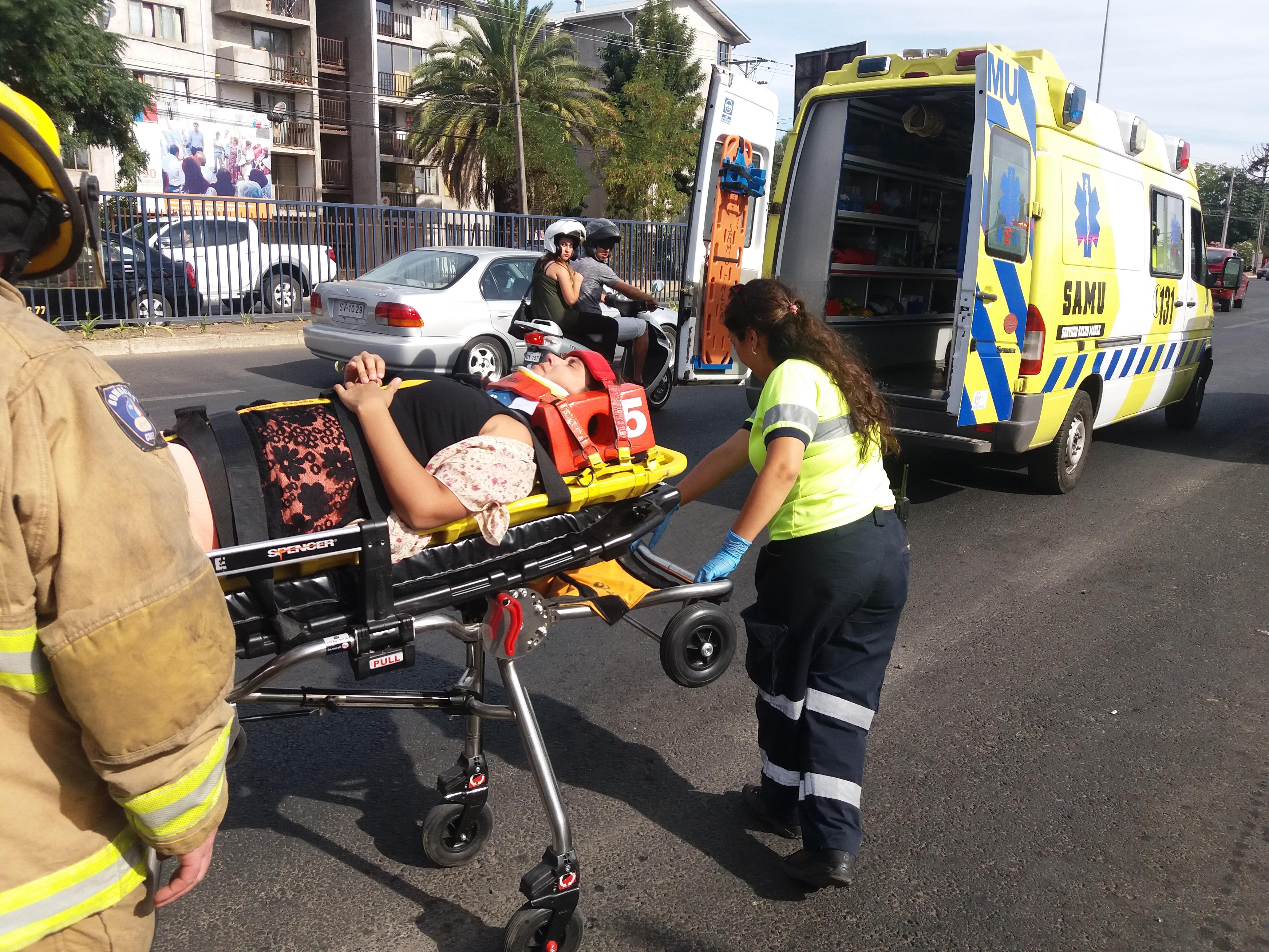 Triple colisión en la avenida Colín con 18 sur deja a mujer embarazada lesionada.