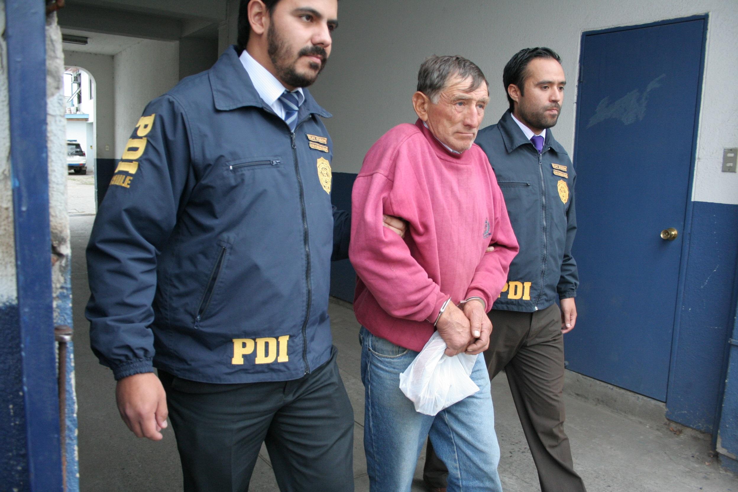 La PDI detiene a hombre acusado de violar y embarazar a sus dos hijastras menores en vivienda de Talca