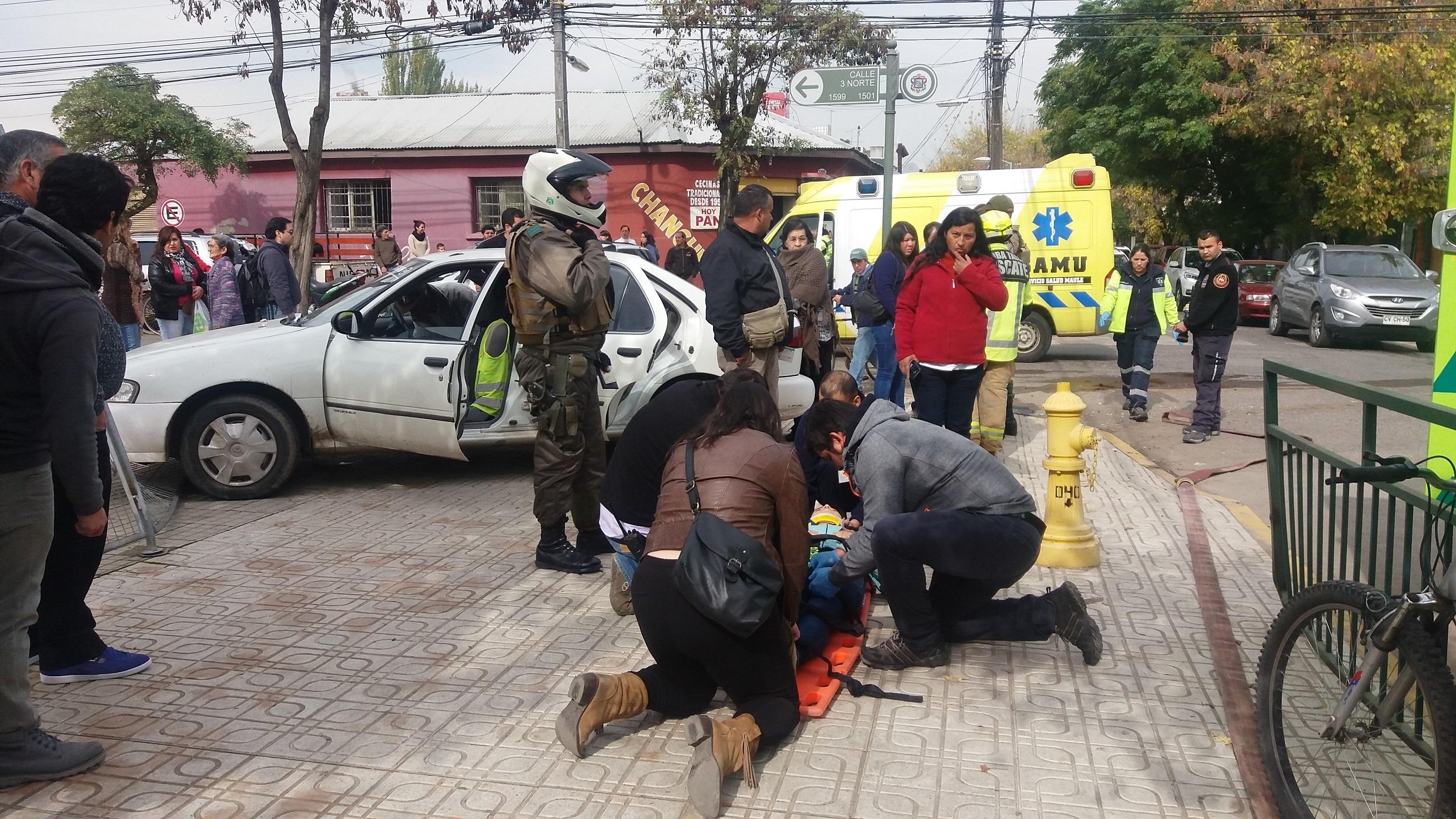 Joven mujer resulta herida tras violenta colisión en calle 3 norte con 8 oriente.