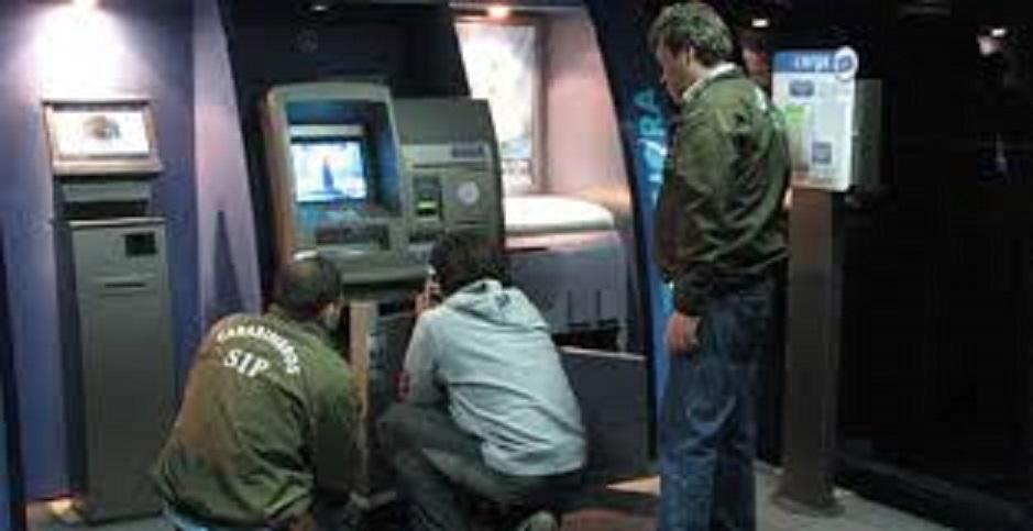 A unos 100 ascienden los afectados con clonación de tarjetas bancarias en Talca. Las denuncias se han hecho en la PDI y Carabineros.