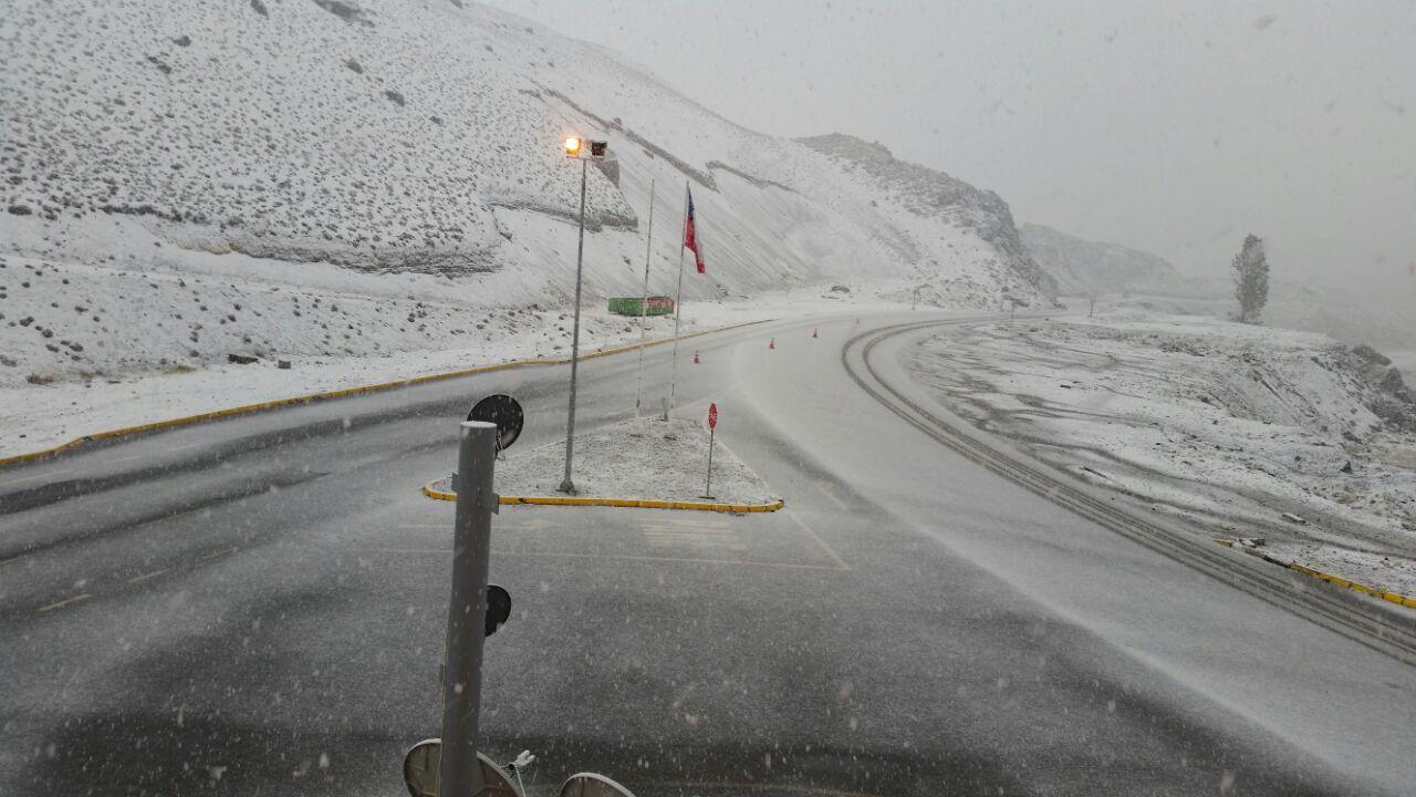 Cierran paso Pehuenche por precipitaciones en la zona cordillerana