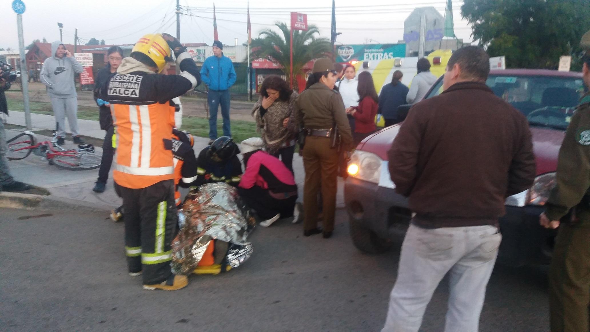 Colisión de ciclista con camioneta moviliza a la unidad de rescate del cuerpo de  bomberos de Talca
