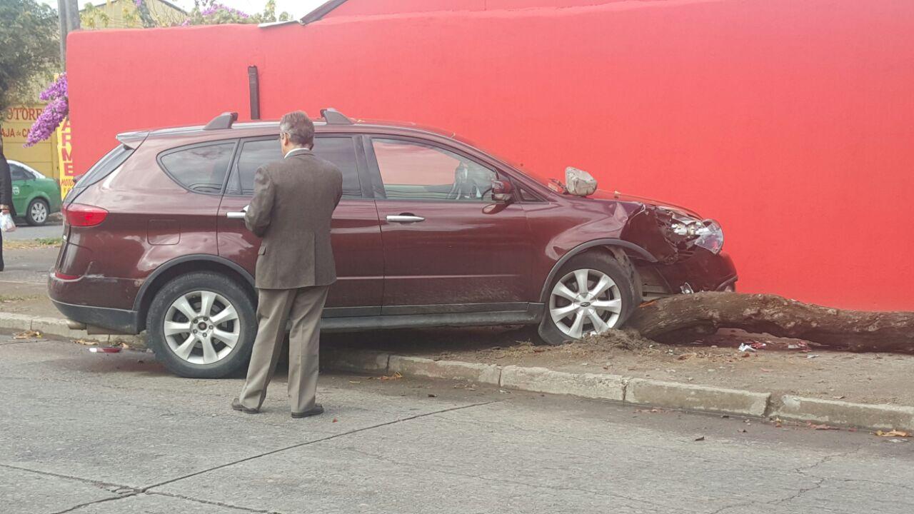 Conductor se fuga tras provocar violento accidente de tránsito en Talca