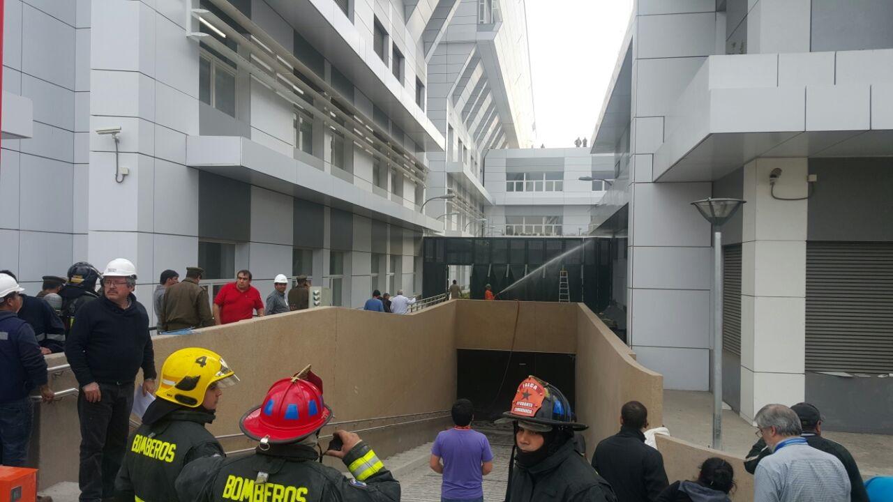 Trabajos de soldadura de una empresa externa fue causa de incendio que afectó al subterráneo del Hospital de Talca