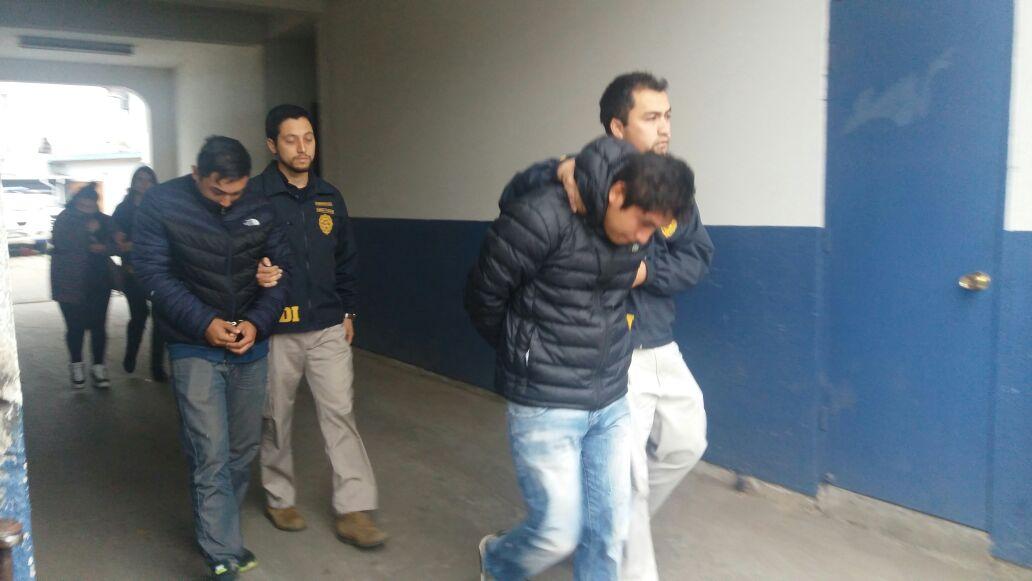 Con 3 detenidos e incautación millonaria de especies robadas, armamento, y municiones, finaliza allanamiento de la PDI en vivienda de Pelarco