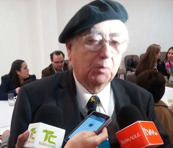 Premian a Fernando Verdejo Moya en el día nacional del comercio