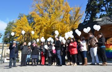 INJUV y MOVILH Maule realizaron acto simbólico en honor a las víctimas del atentado de Estados Unidos