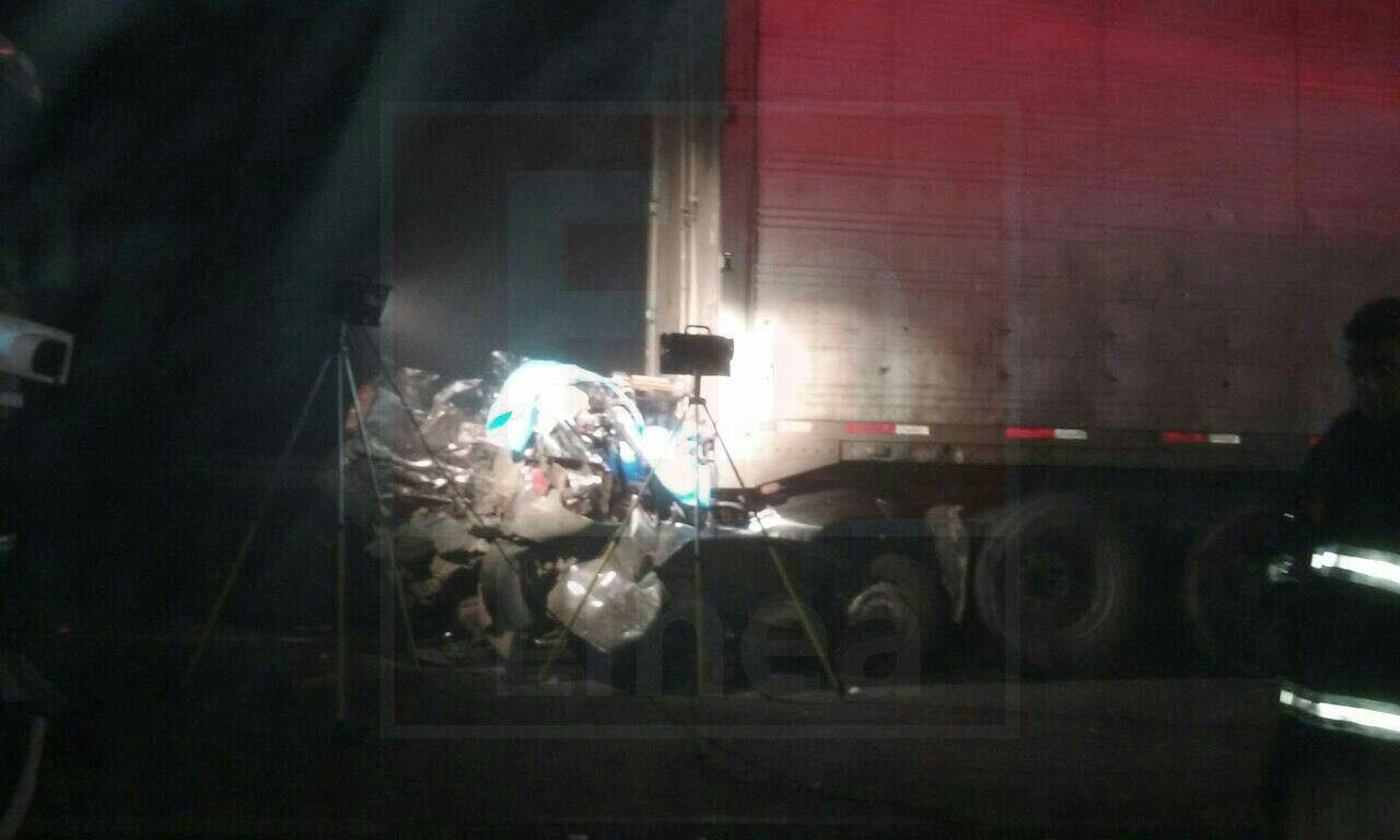 4 muertos y 2 heridos, uno de ellos grave, deja colisión múltiple en ruta cinco sur frente a Parral.