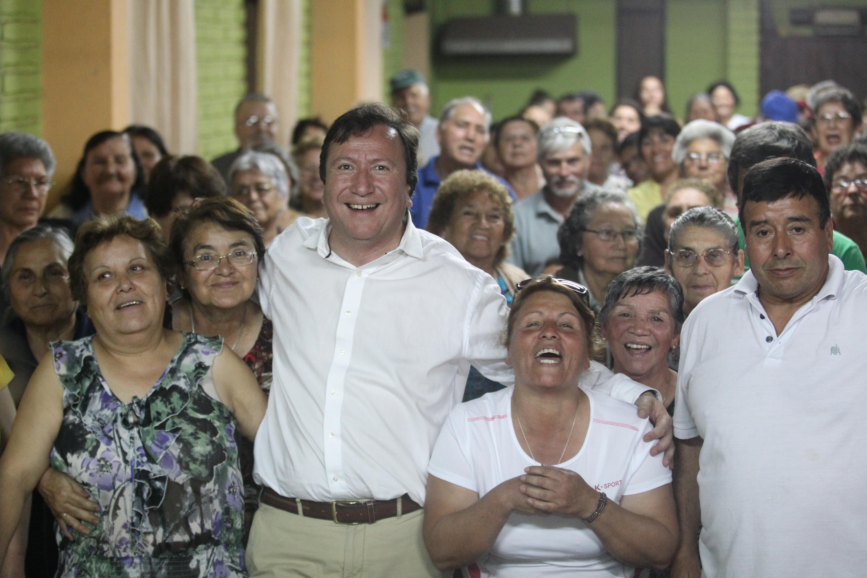 Juan Carlos Díaz inscribe su candidatura a alcalde de Talca.
