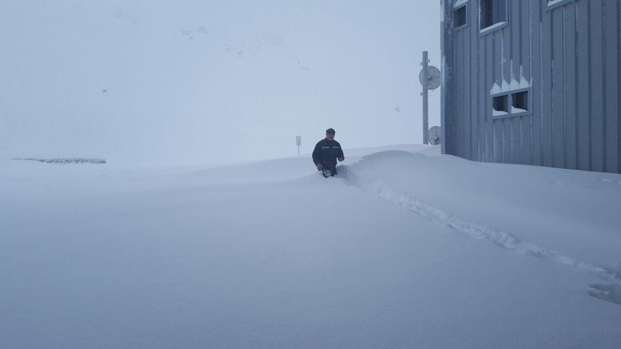 """Cierre temporal, en paso internacional """"El Pehuenche"""", a raíz de intensas nevazones"""