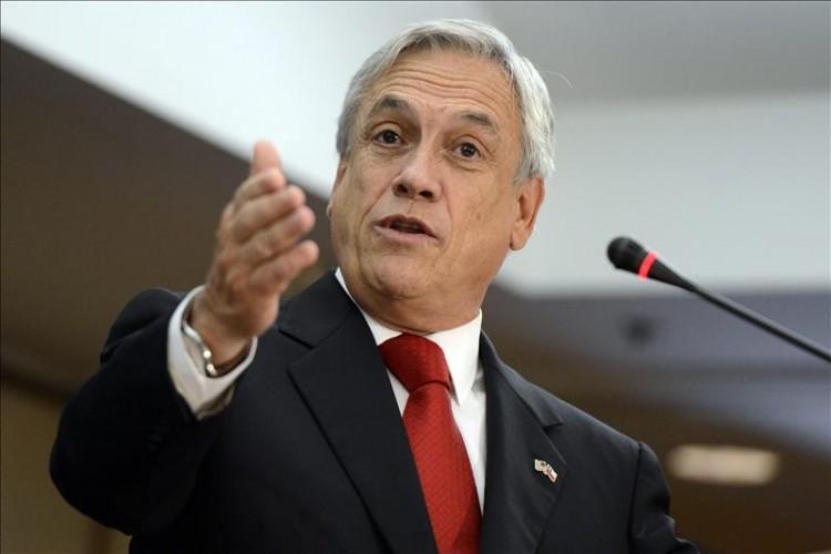 Piñera lidera carrera presidencial y aumenta indecisión ciudadana