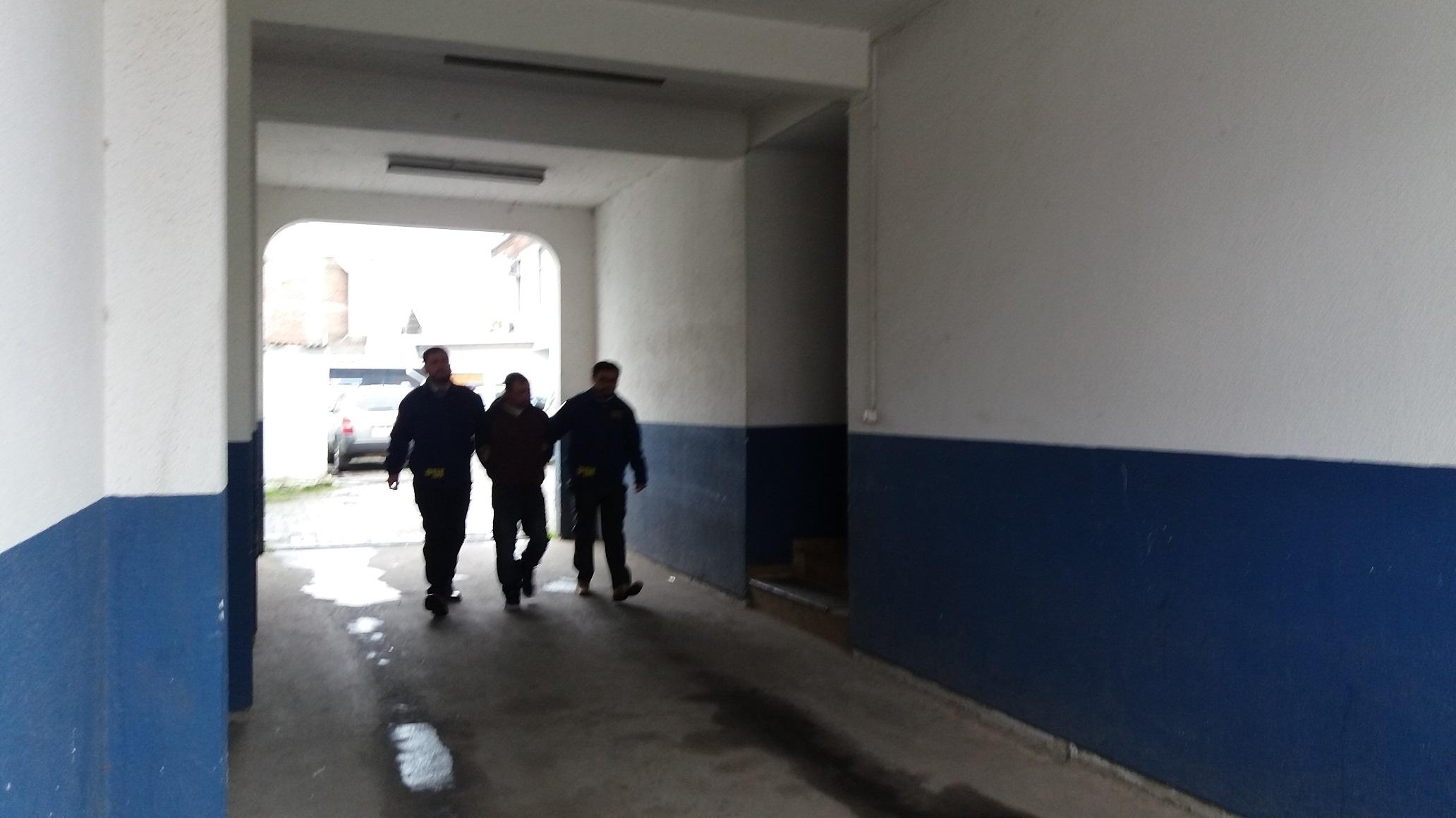 Fotos: A la cárcel sujeto que mató a vecino por celos en vivienda de Talca