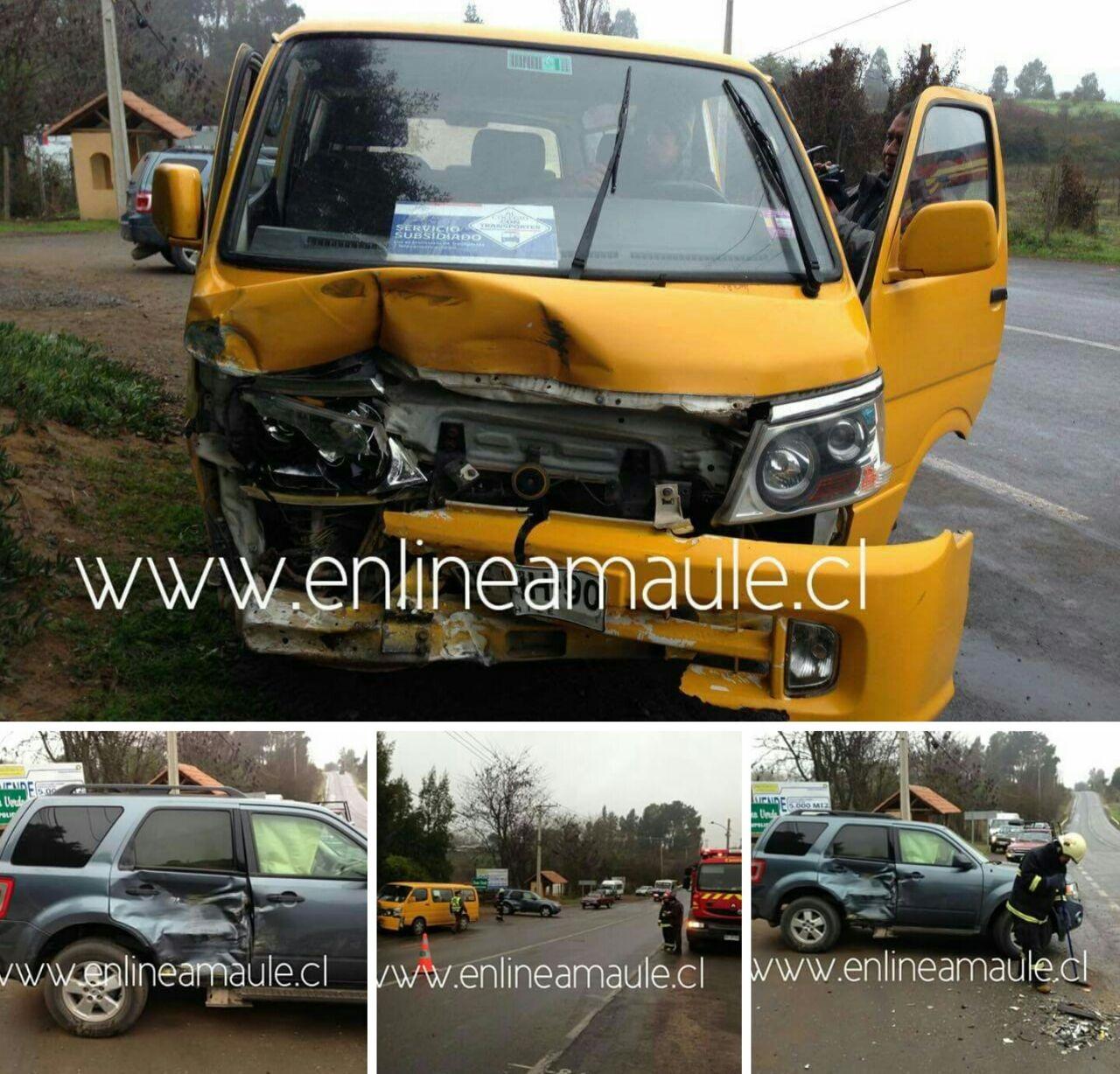 Exclusivo fotos: Tres menores lesionados, deja colisión entre furgón escolar y jeep en ruta Talca-Pencahue.