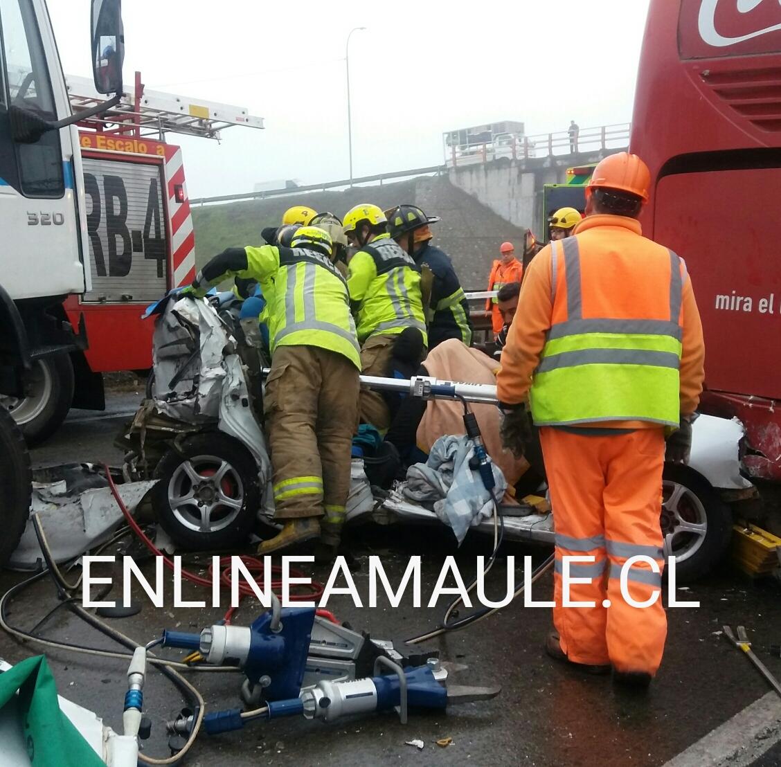 Fotos: Un muerto y dos heridos graves, fue el saldo de colisión múltiple en ruta cinco sur, frente a Talca