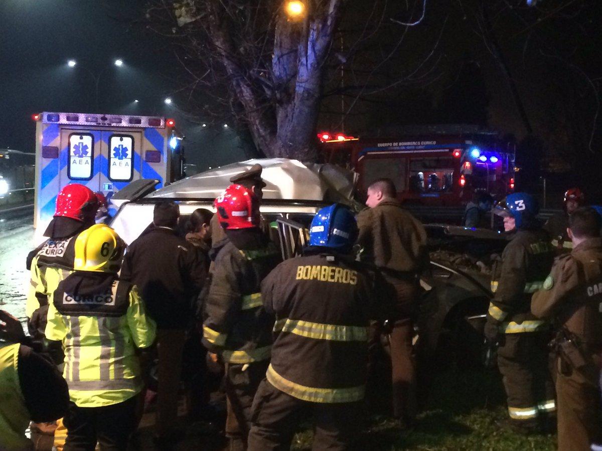 Un funcionario de la PDI muerto y dos heridos deja accidente de tránsito en Ruta 5 Sur altura Curicó