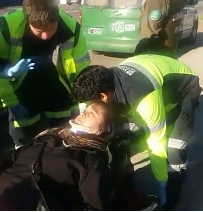 Pasajero de colectivo resulta herida, tras colisión en avenida Lircay con 12 norte en Talca.