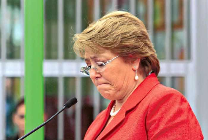 Aprobación a Michelle Bachelet cae a mínimo histórico
