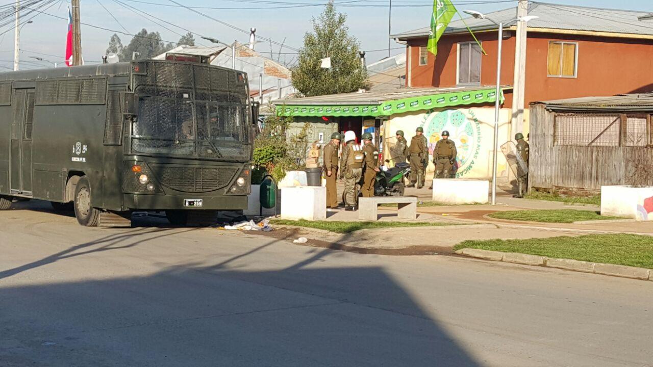 El OS-7 de Carabineros de Talca, allana domicilios en población San Miguel del Piduco en búsqueda de drogas