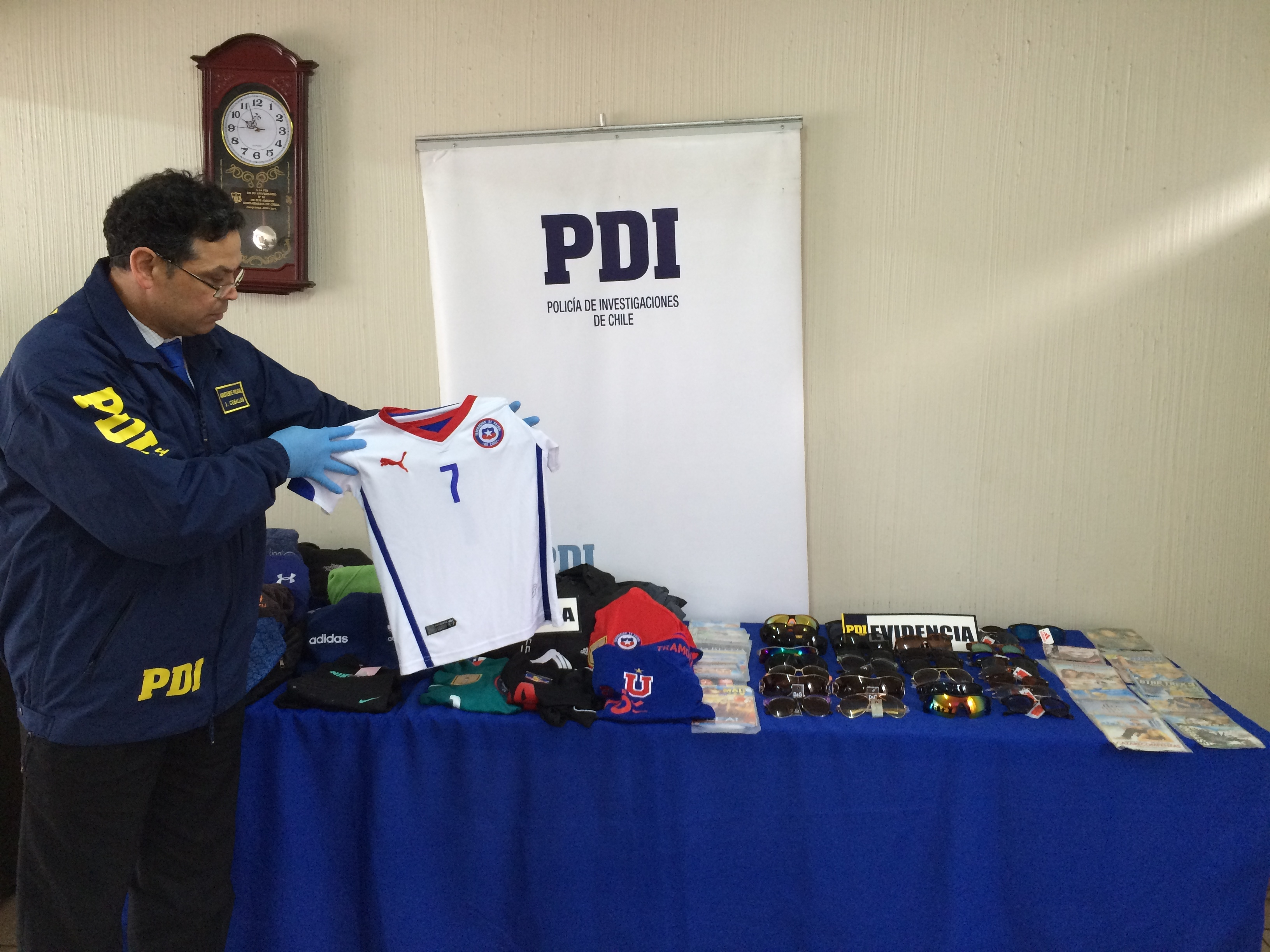 PDI incauta 2 millones 500 mil pesos, en árticulos falsificados
