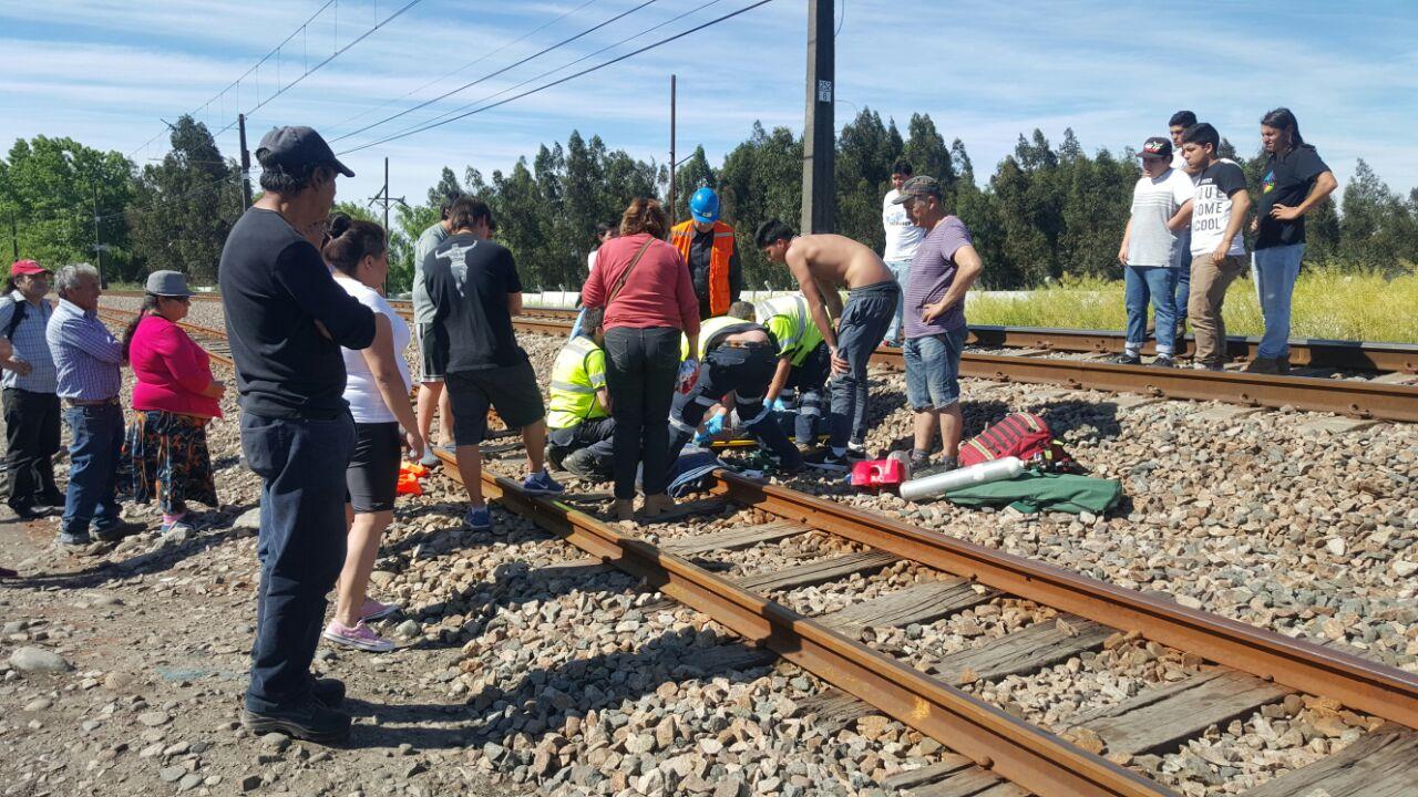 Grave hombre al ser arrollado por tren de pasajeros frente a la Villa Francia en Maule