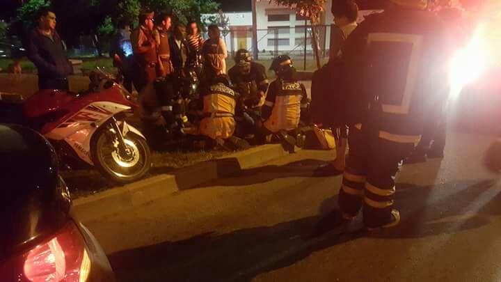 UN HERIDO DEJÓ , COLISIÓN DE MOTOCICLETA CON TAXI COLECTIVO EN SECTOR PONIENTE DE TALCA