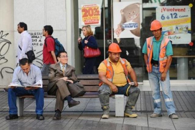 El desempleo baja en el periodo de agosto-octubre