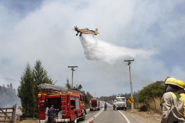 La mitad de los aviones de Conaf no están en los incendios