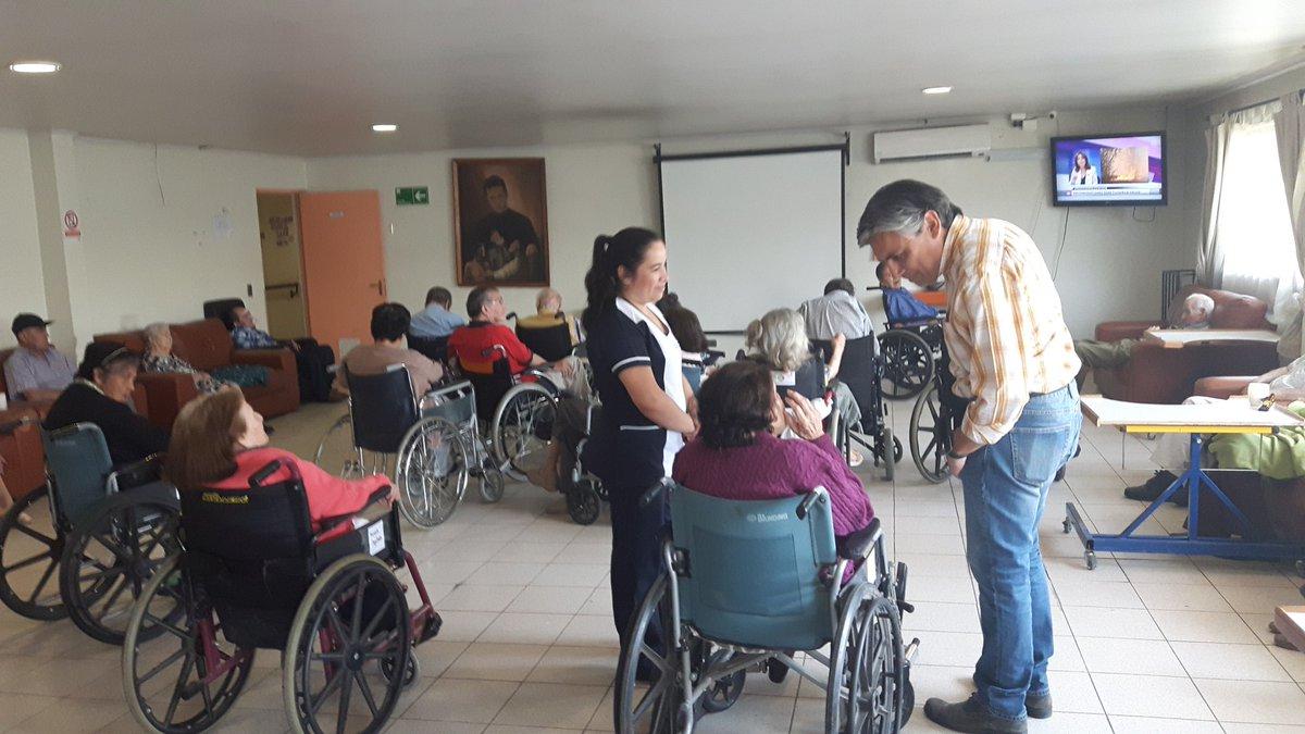 Se evalúa condición de salud de adultos mayores por incendios en la región
