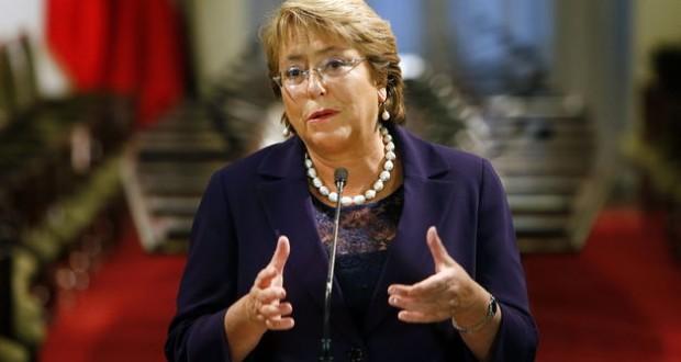 Aprobación de la presidenta Bachelet llega al 27%