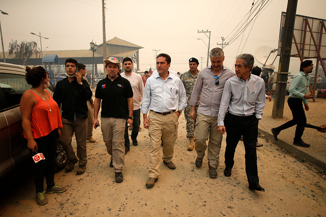 Ministro de Defensa descarta militarización en zonas incendiadas