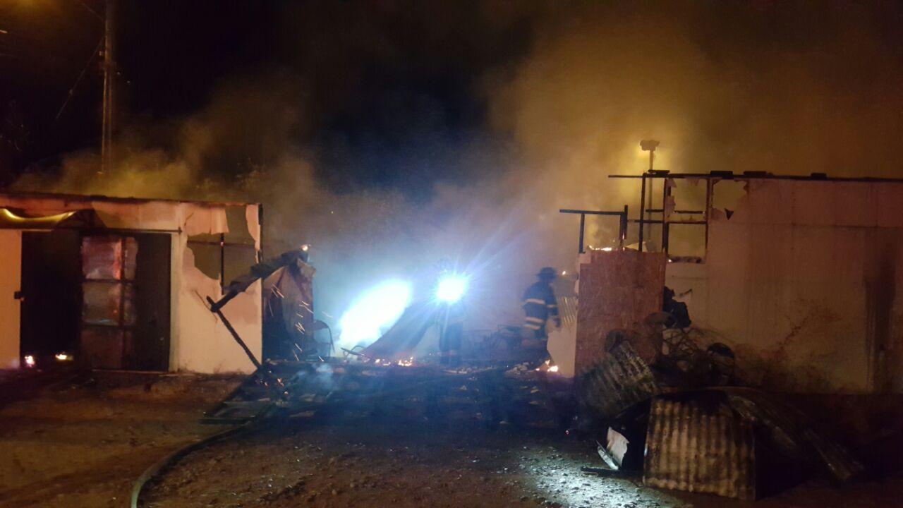 VIOLENTO INCENDIO ESTA MADRUGADA DESTRUYE POR COMPLETO IGLESIA EVANGÉLICAEN BARRIO INDEPENDENCIA DE TALCA.