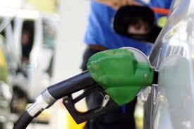 Atención conductores bajan los precios de las bencinas