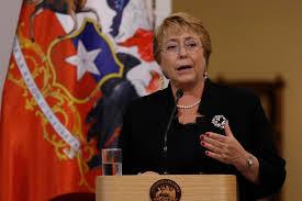 Presidenta Bachelet aumenta su aprobación en un 25%