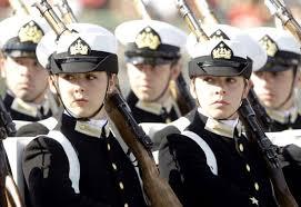 Mujeres podrán postular a la Armada el 2018