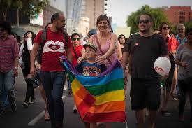 Mineduc envía circular que resguarda los derechos de niños trans