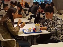 """Junaeb prohíbe comprar """"comida chatarra"""""""
